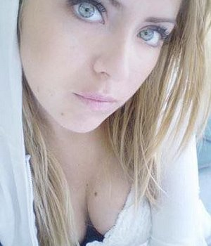 Sexy Blonde (22) aus Burgdorf sucht erotische Kontakte